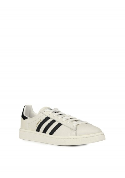 Adidas Campus Sneakers.